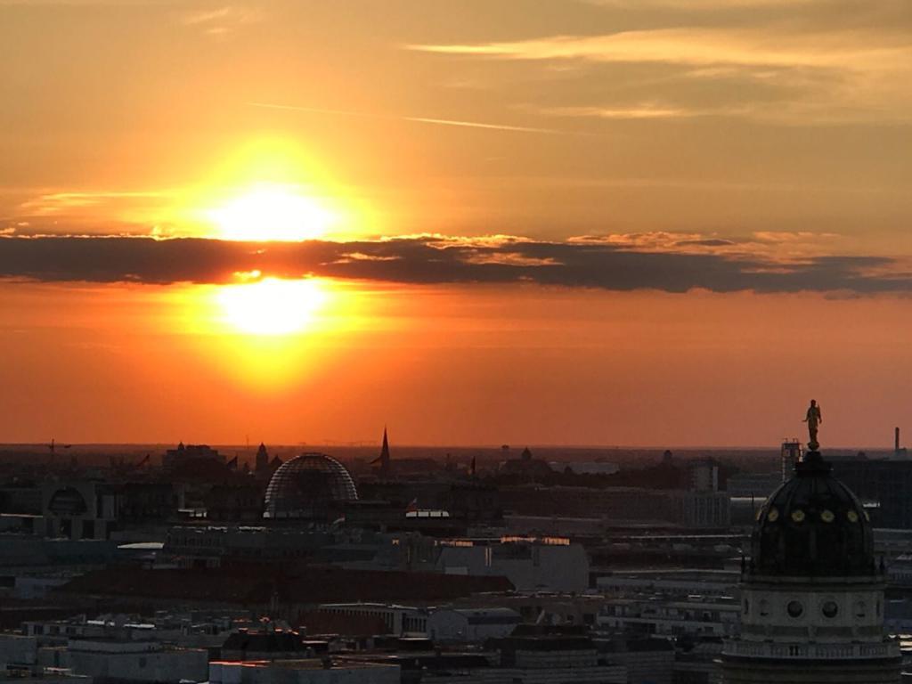 GLOBALS Sky Lounge Berlin Sunset Skyline